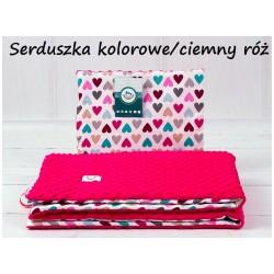 Kocyk Minky 75x100 cm + poduszka 35x30 cm Infantilo - Serduszka kolorowe ciemny róż