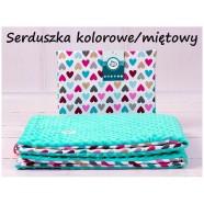Kocyk Minky 75x100 cm + poduszka 35x30 cm Infantilo - Serduszka kolorowe mięta